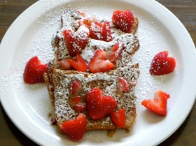 berry sweet french toast